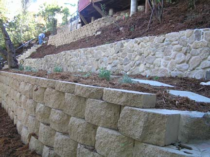 Retaining walls of alternating material